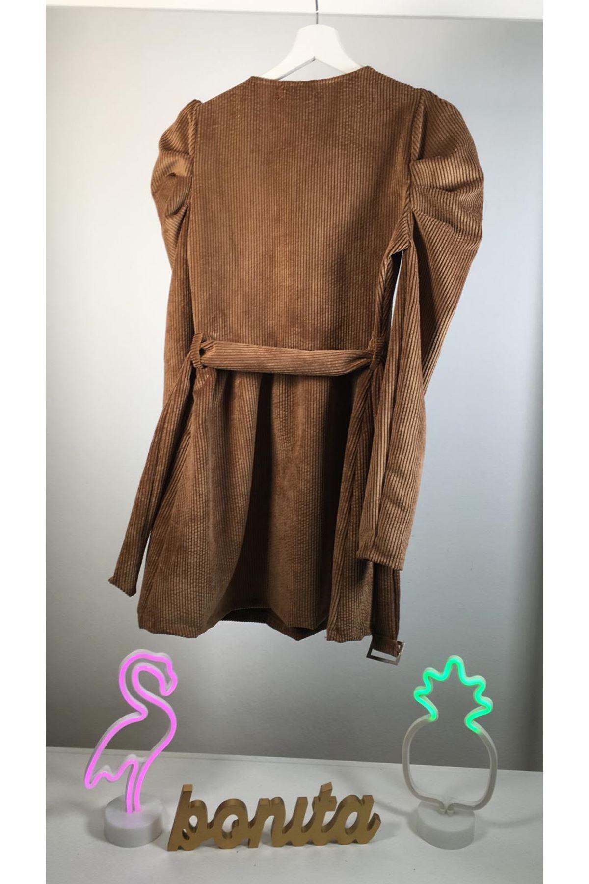 Derin V yaka kadife kemerli elbise M22 CAMEL