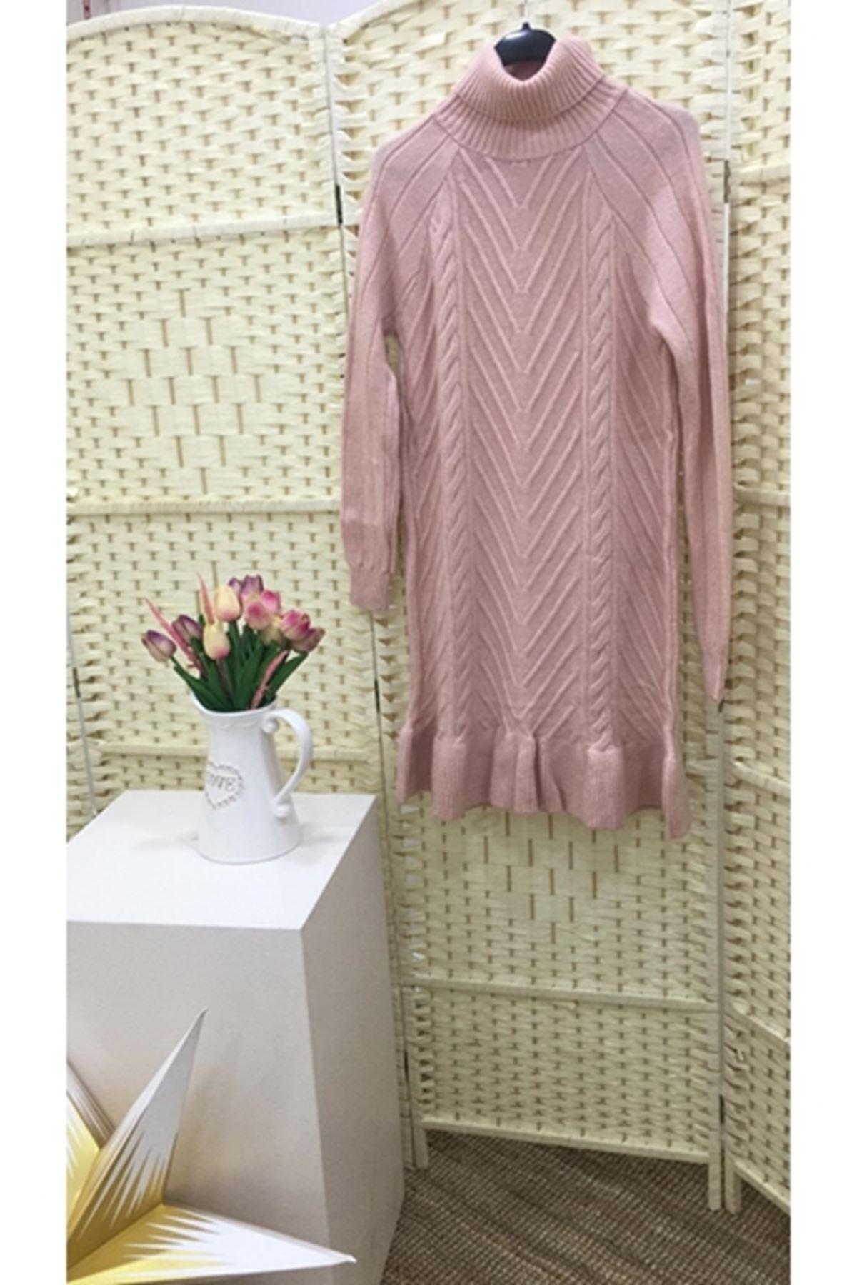 Eteği fırfır ön işlemeli trıko elbise K08 PUDRA