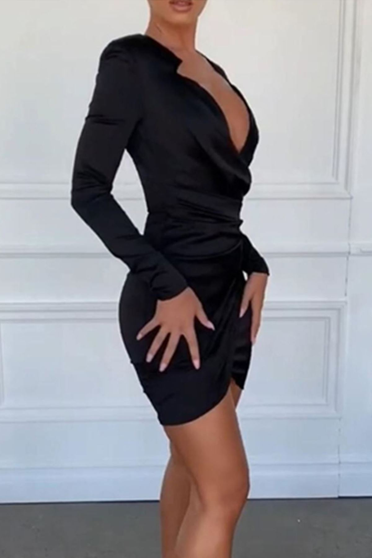 Yaka tasarım mini elbise SİYAH
