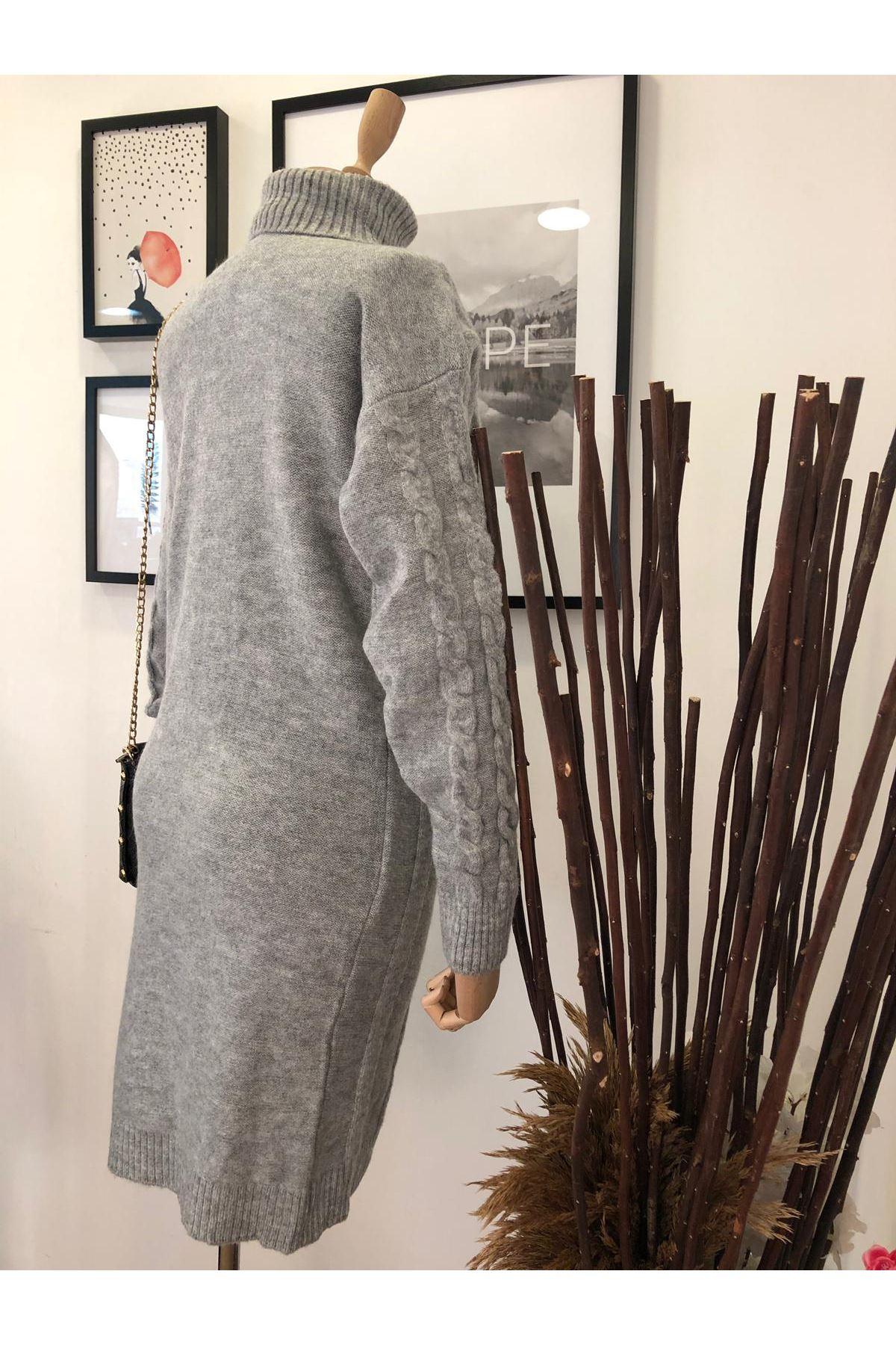 Boğazlı Önü İşlemeli Saç Örgü Triko Elbise K12 GRİ