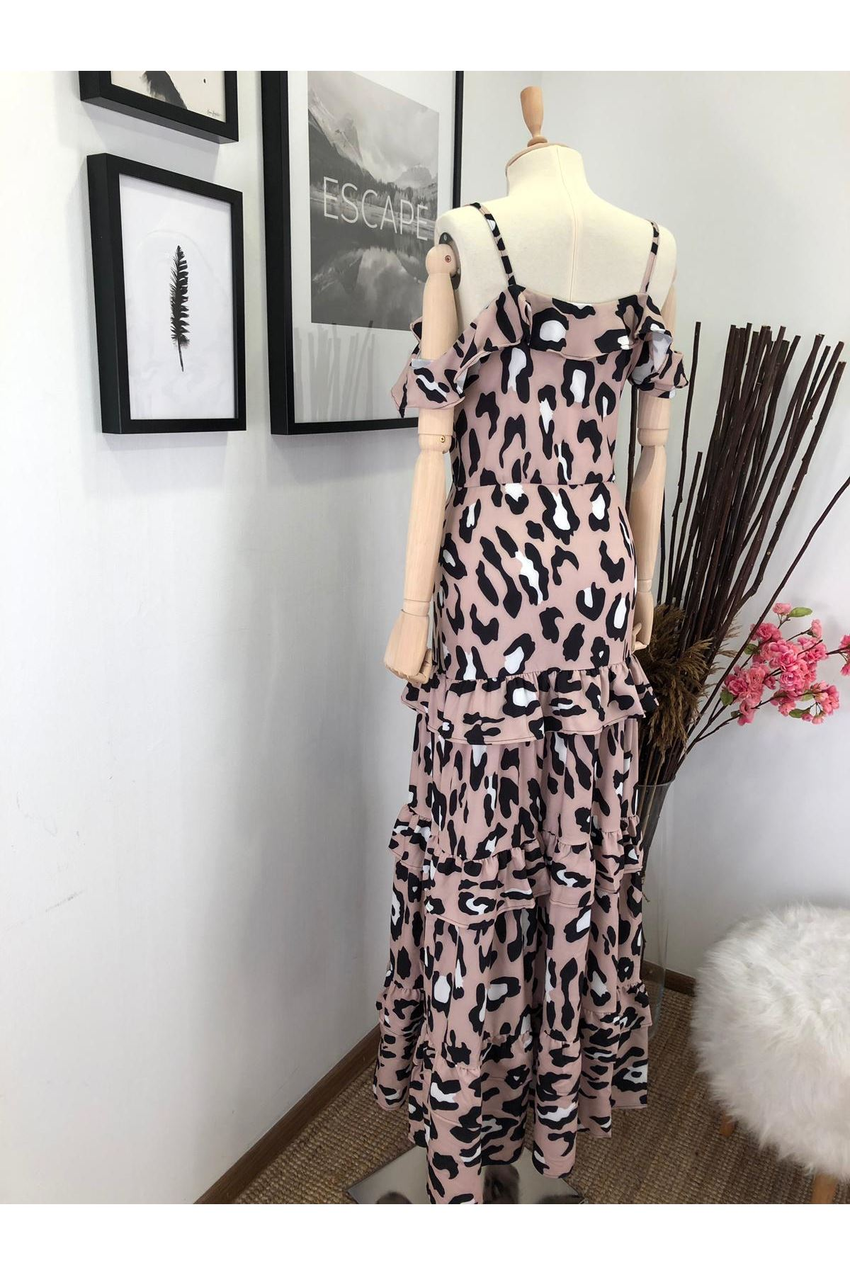 Omuz detay leopar maxi elbise