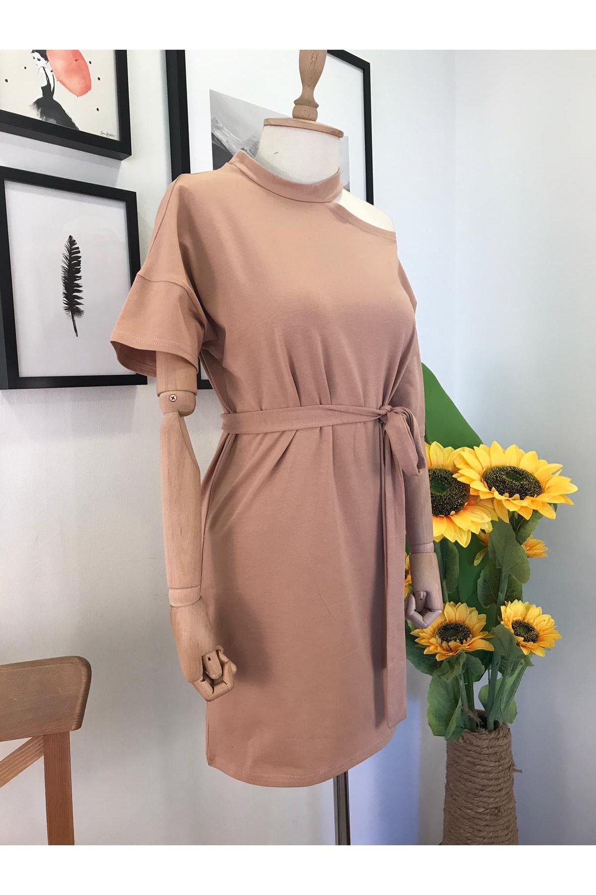 Tek Omuz Detaylı Kuşaklı Elbise  BEJ