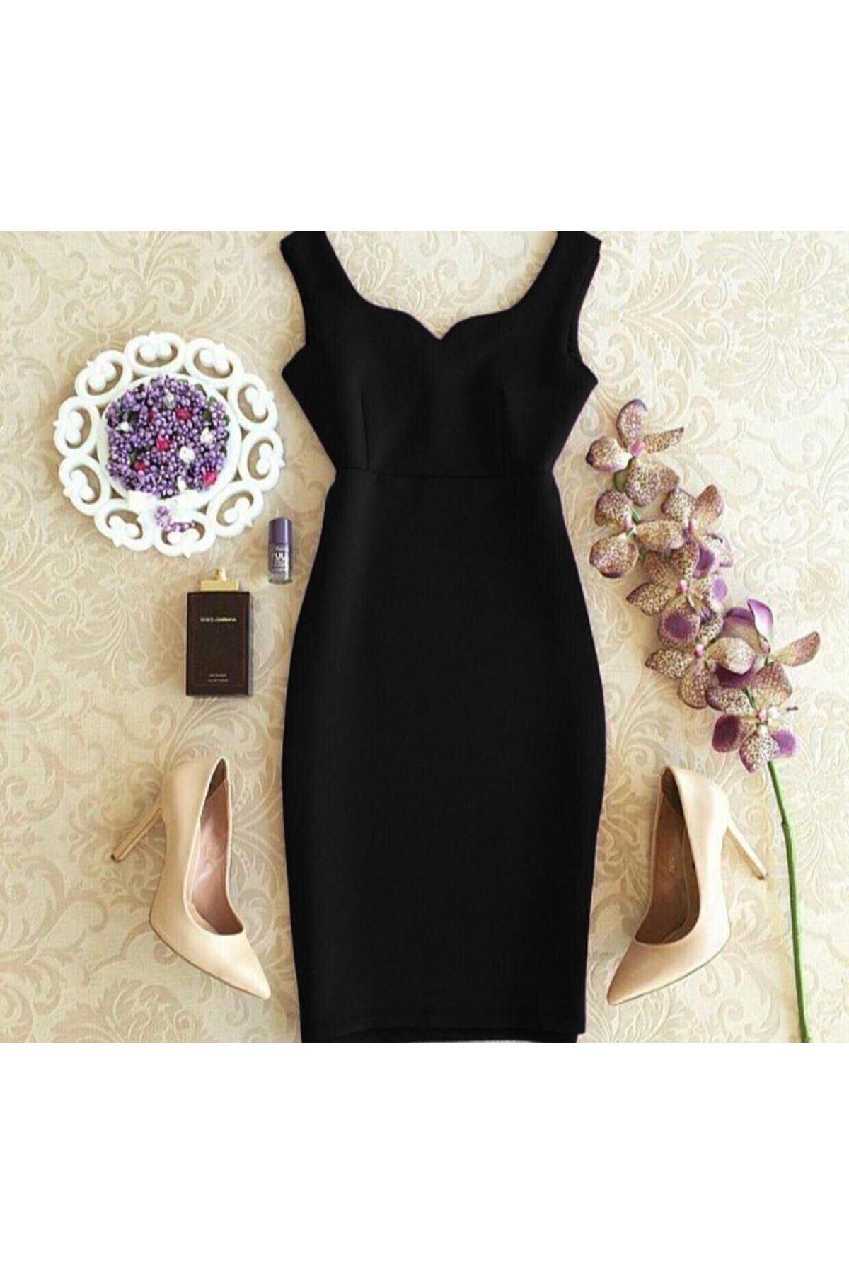 Kalp Yaka Mini Elbise - Siyah
