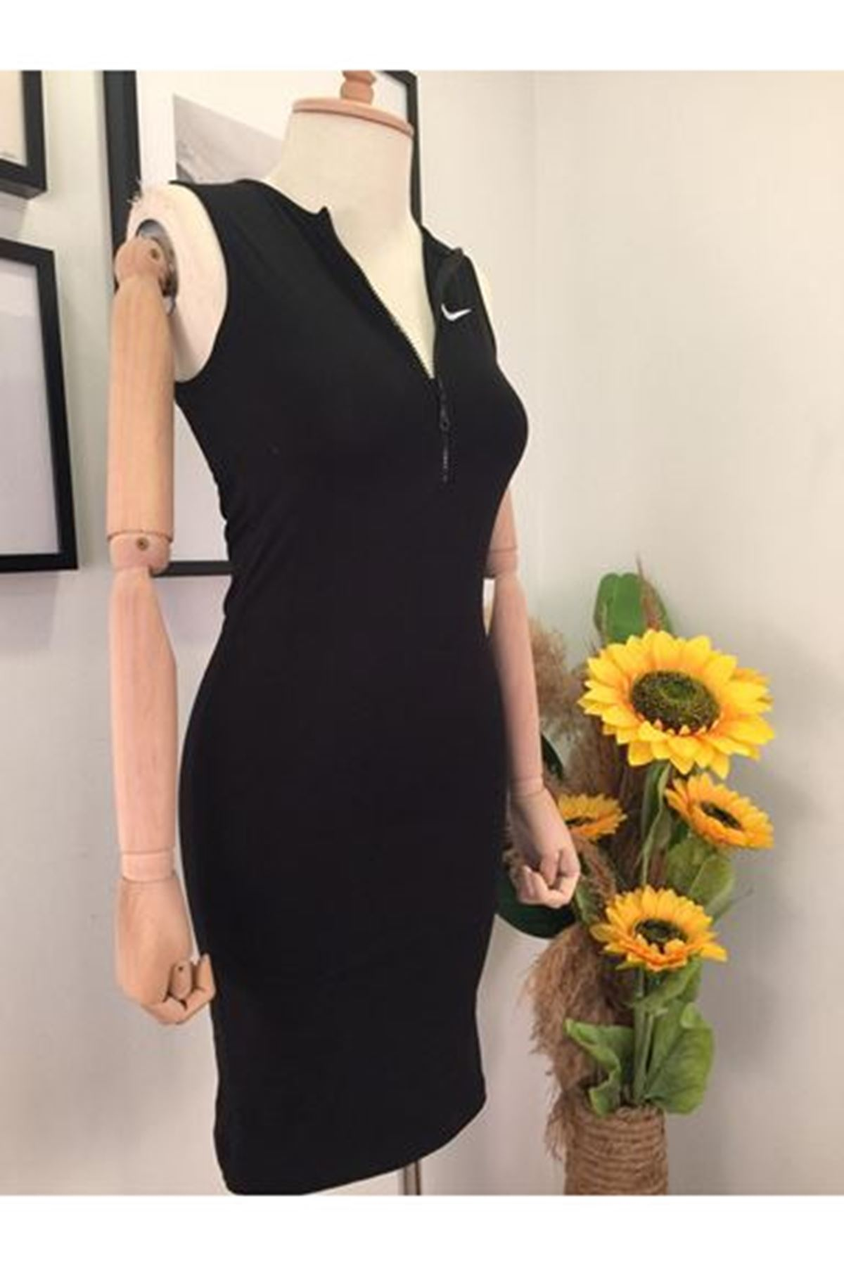 Fermuar Detay Nıke Elbise - Siyah
