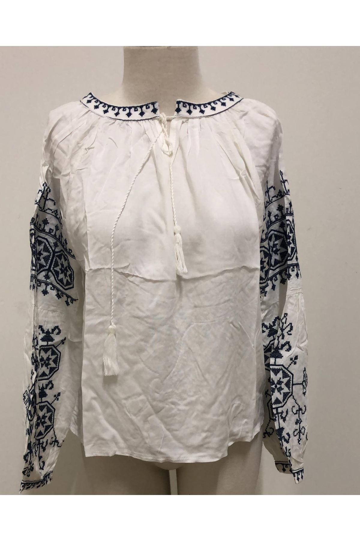 Kolları Etnik Desenli Bluz - beyaz