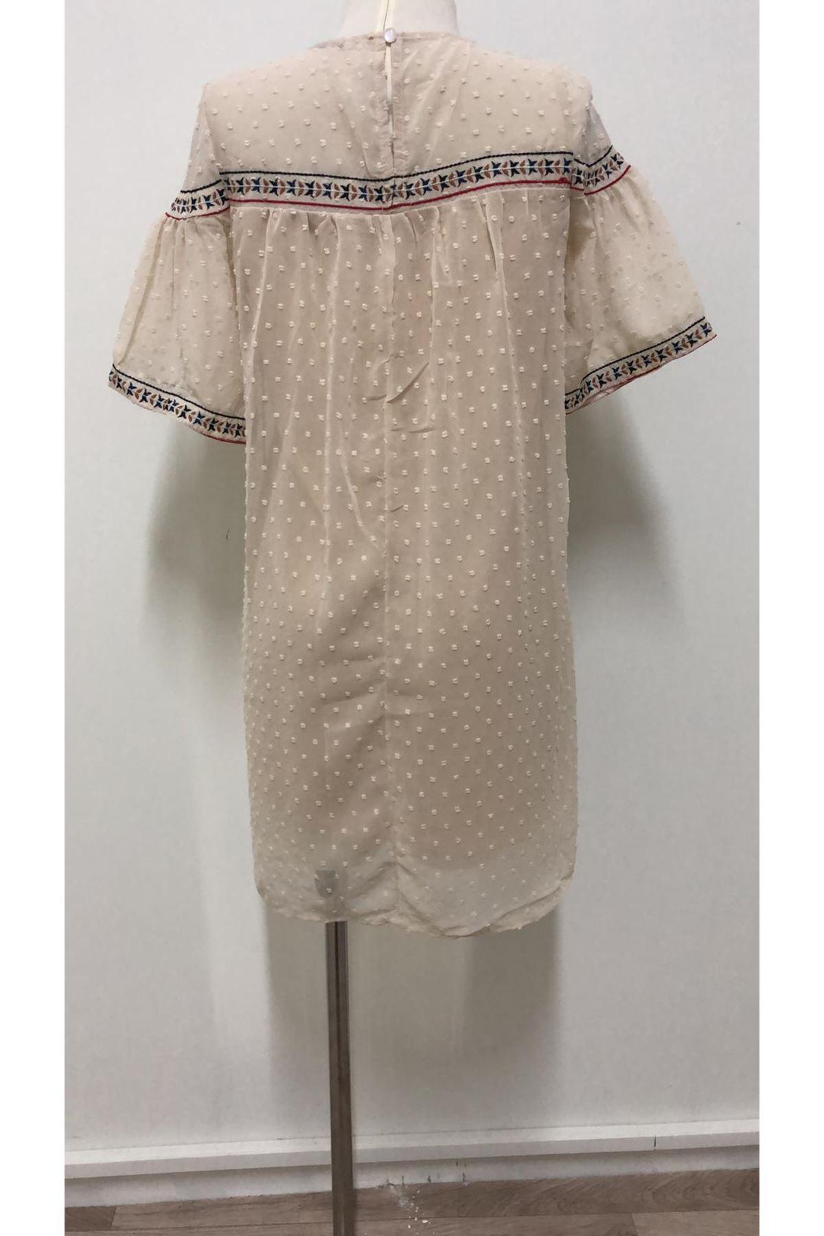 Yaka Nakışlı Summer Mini Elbise - EKRU