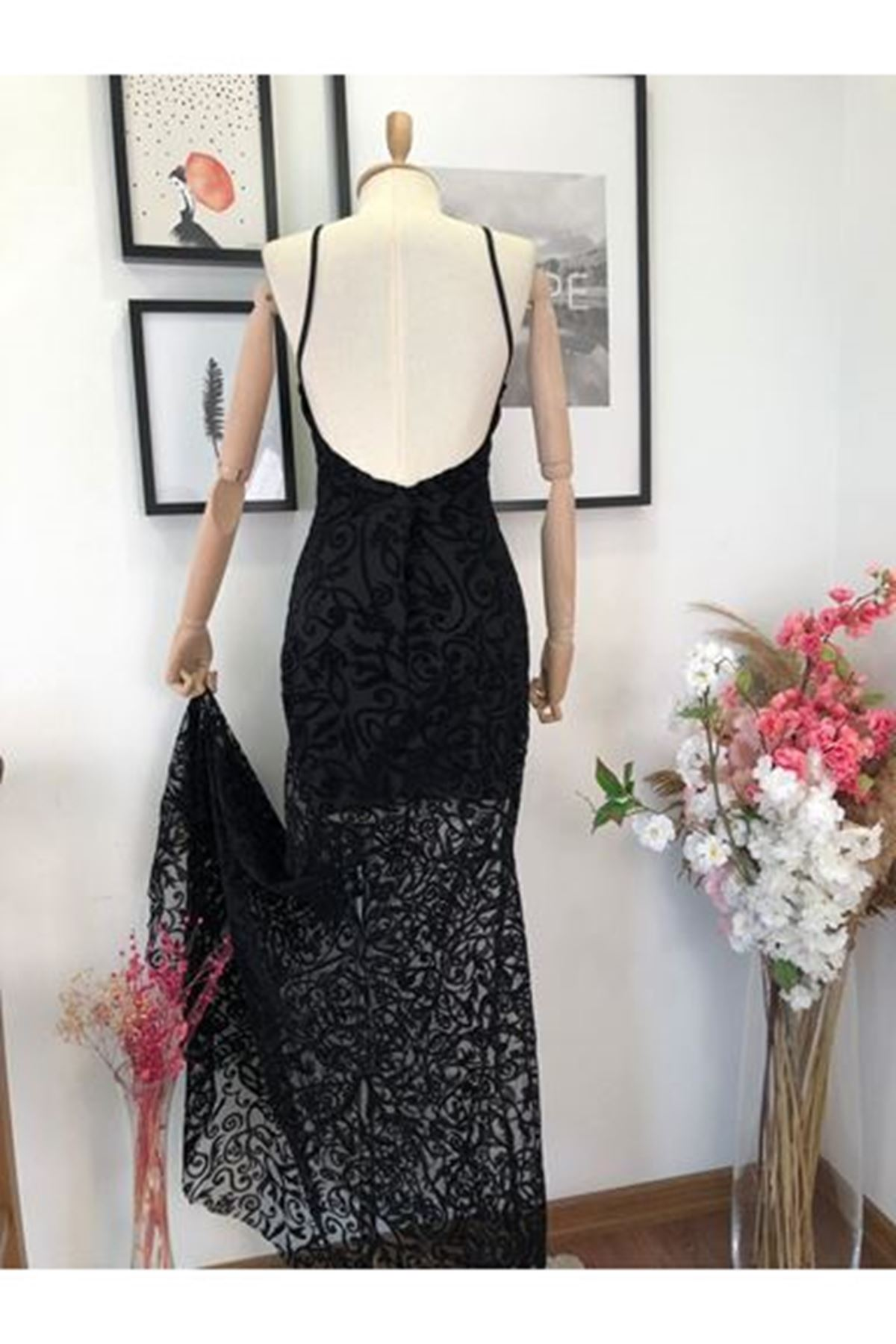 Güpür Detay Tasarım Flog Elbise - Siyah