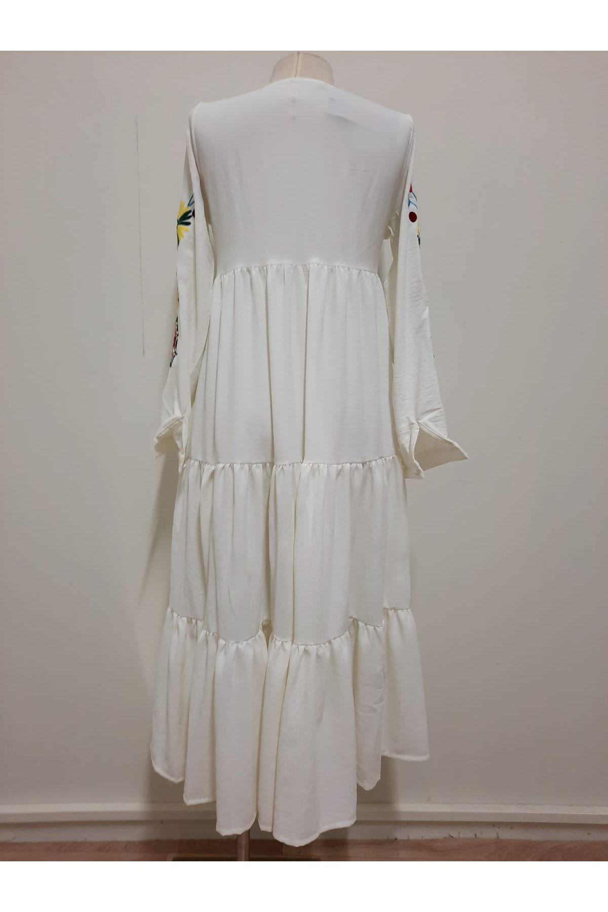 Nakışlı Ayrobin Elbise - beyaz