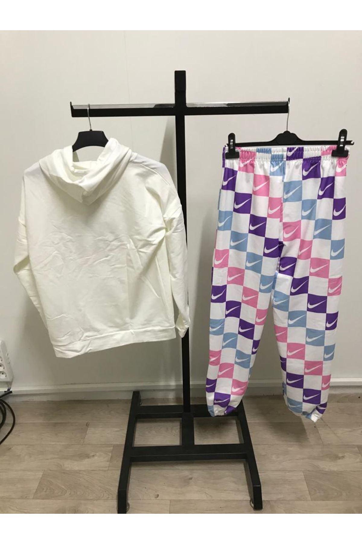 Renkli Nıke İkili Takım - beyaz