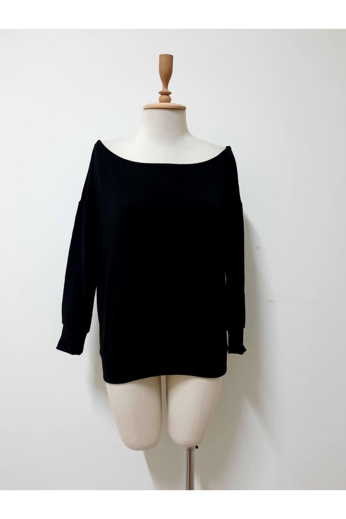Kayık Yaka Akrelik Bluz - siyah