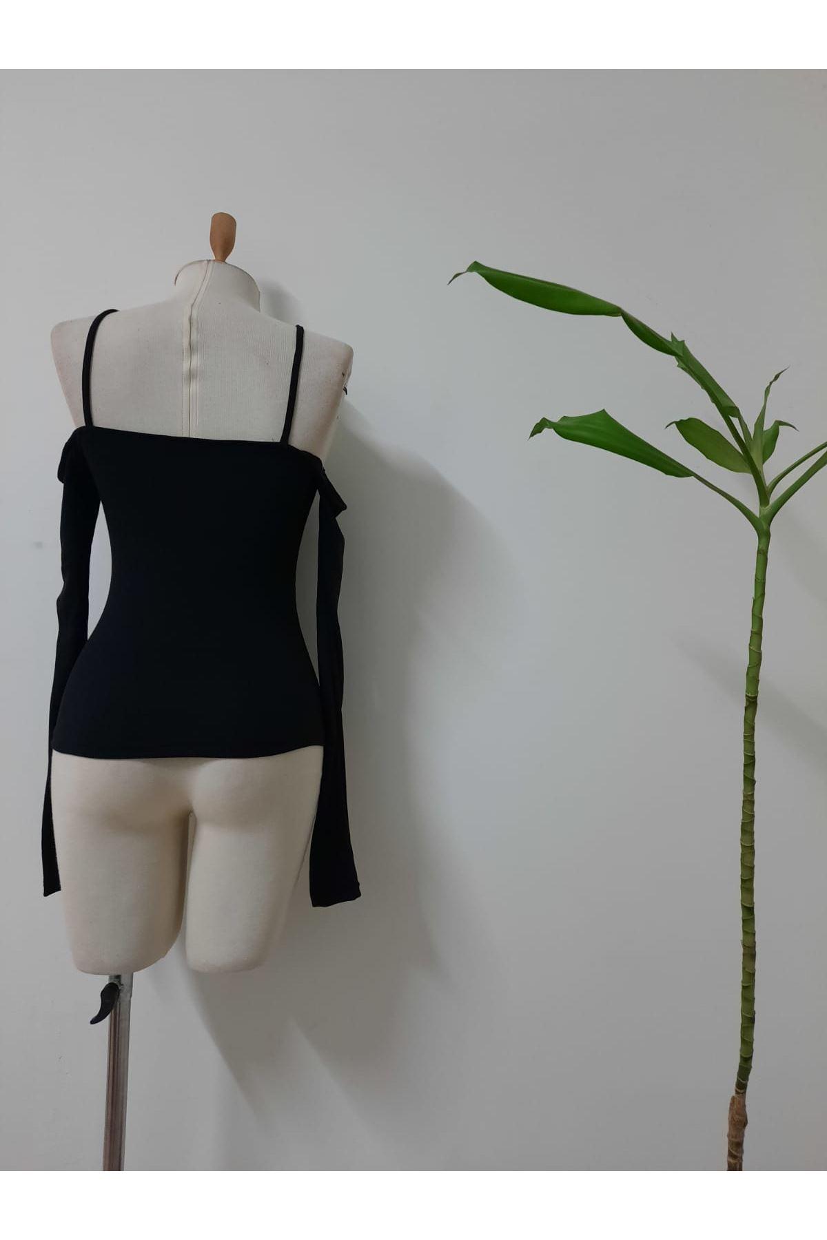 Omuz Detaylı Çapraz Bluz - siyah