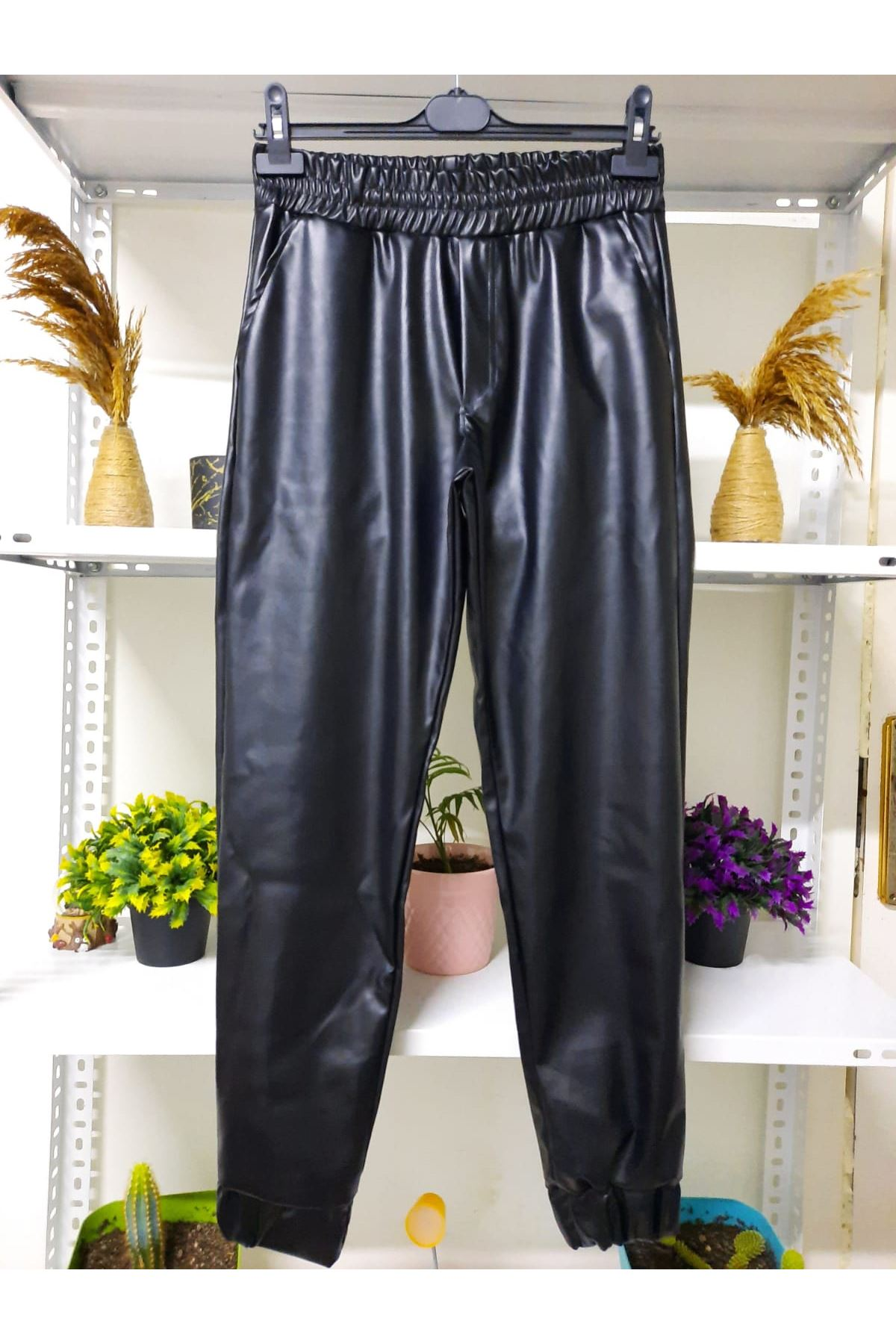 Bel ve Paça Lastik Deri Pantolon  - siyah