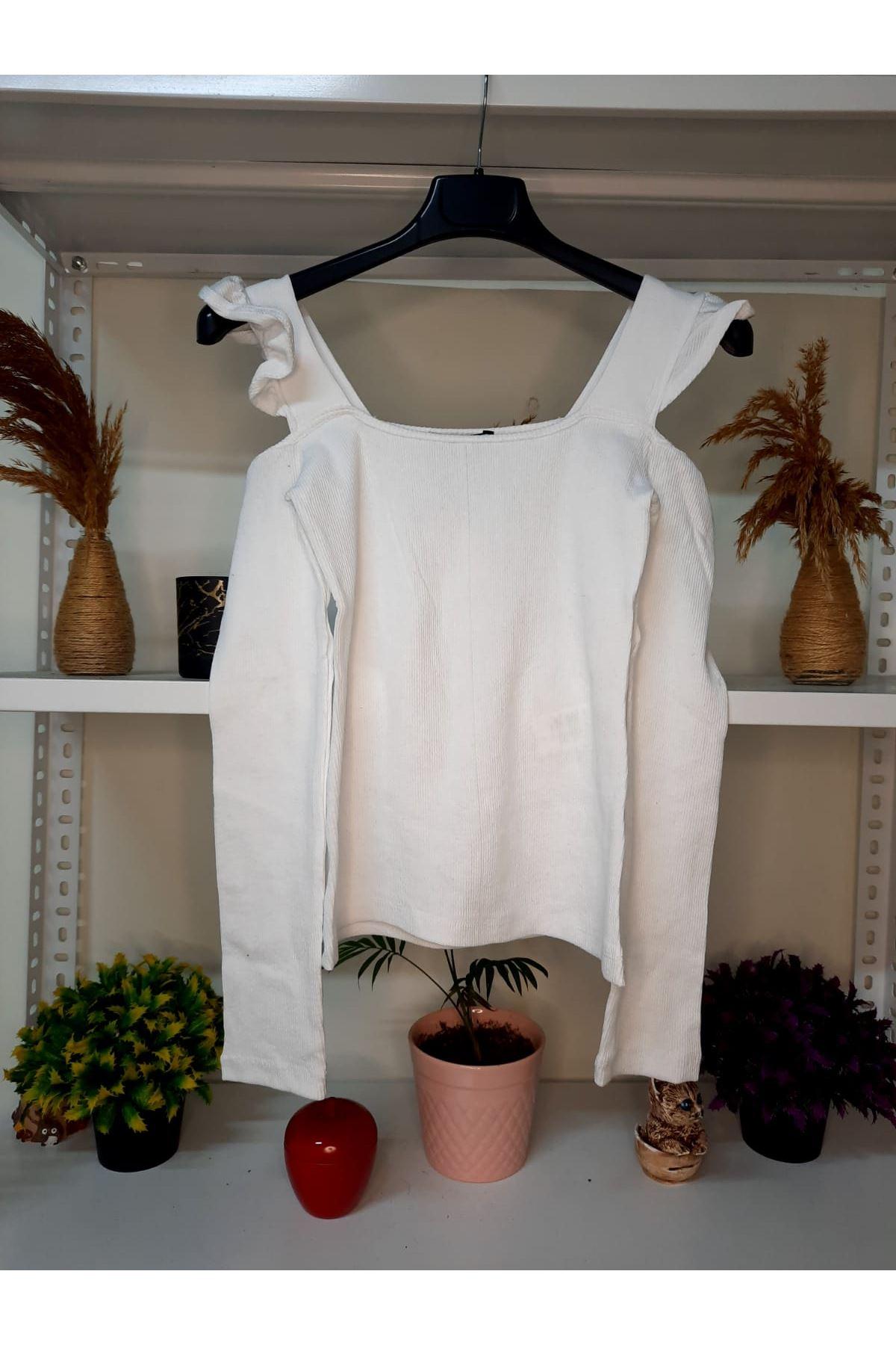Omuz Detay U Yaka Bluz - beyaz