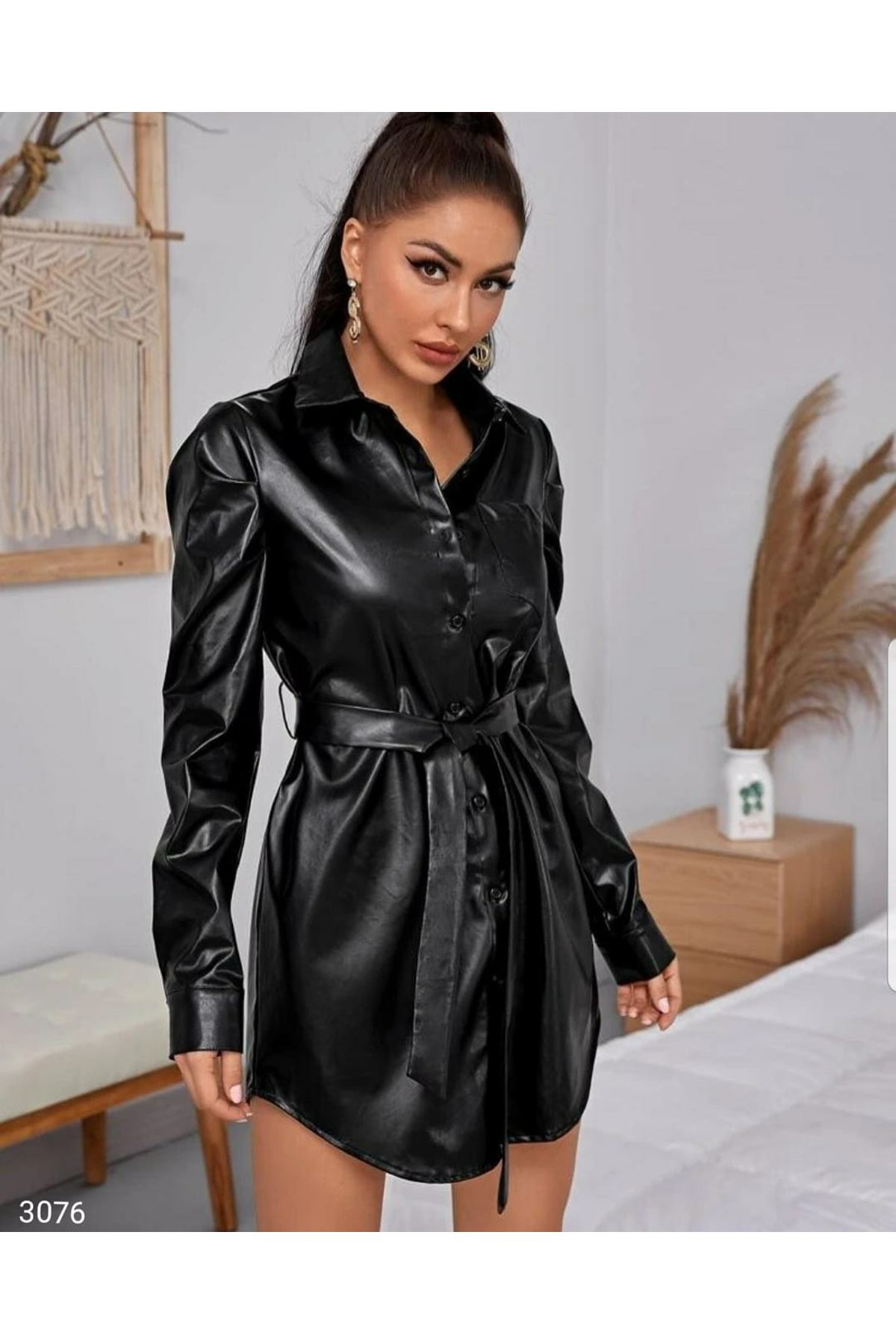 Cep Detaylı Kemerli Deri Elbise - Siyah