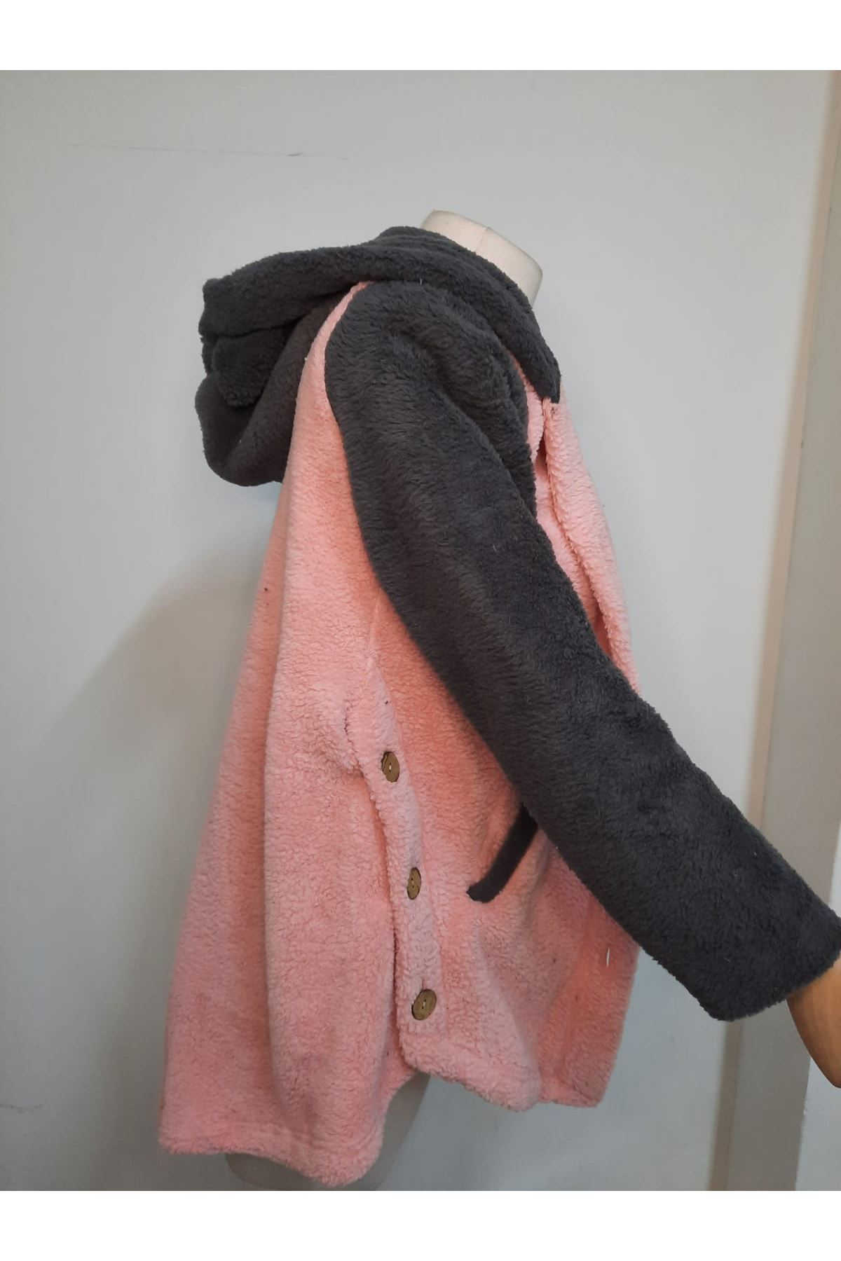 Düğme Detaylı Kapüşonlu Ceket - PUDRA