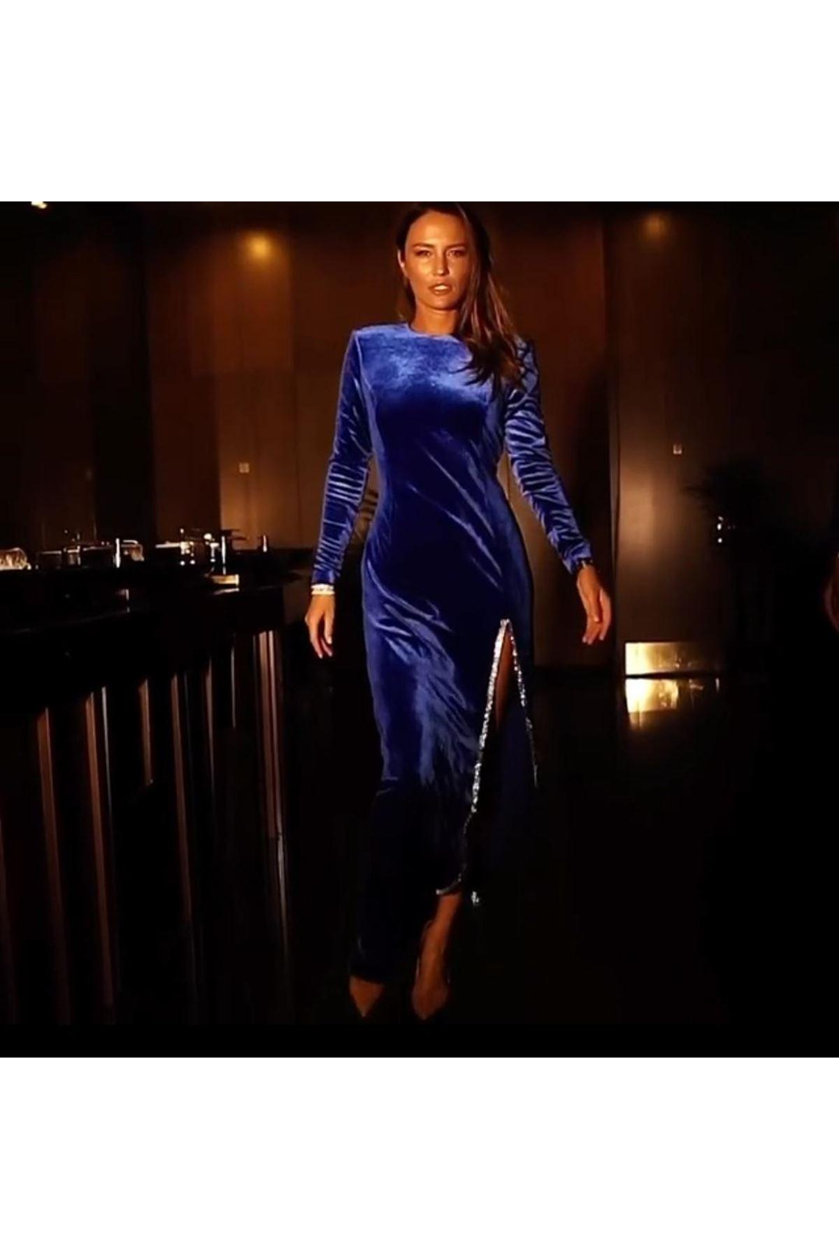 Yırtmaç Taşlı Kadife Elbise - LACİ