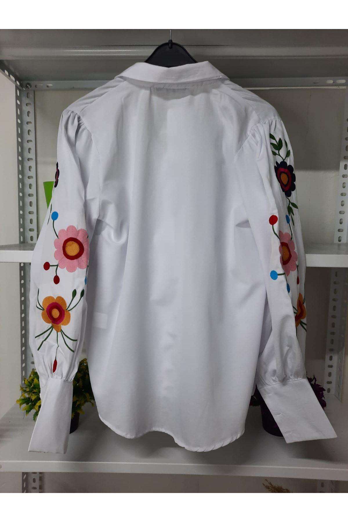 Çiçek Nakış Detaylı Gömlek - beyaz