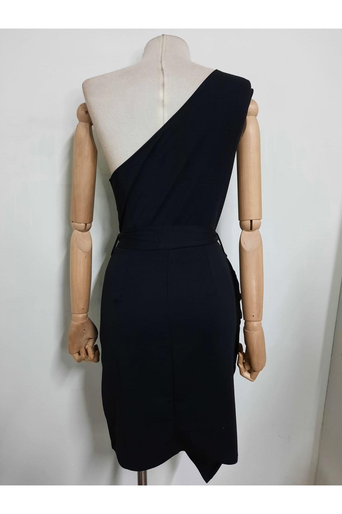 Tek Omuz Kuşaklı Elbise  - siyah