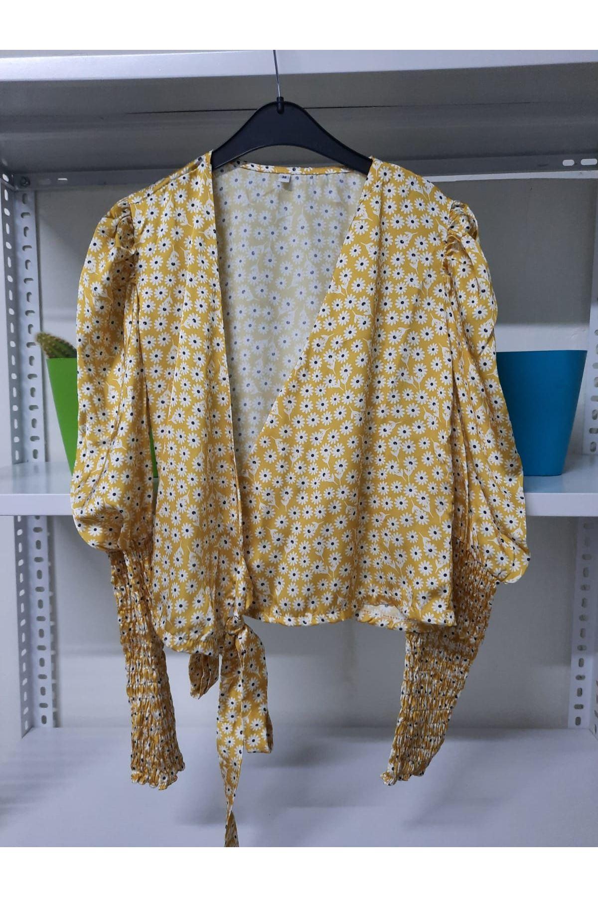 Papatya Desen Bağlamalı Bluz - sarı
