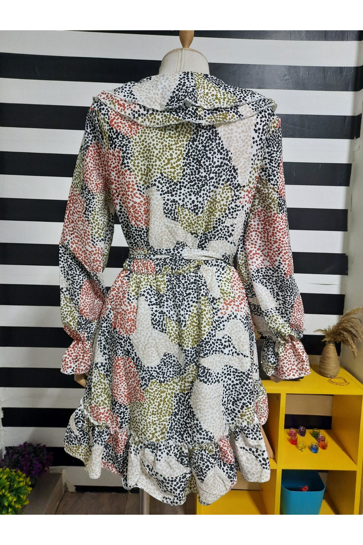 Volan Yaka Mini Elbise - MULTİ