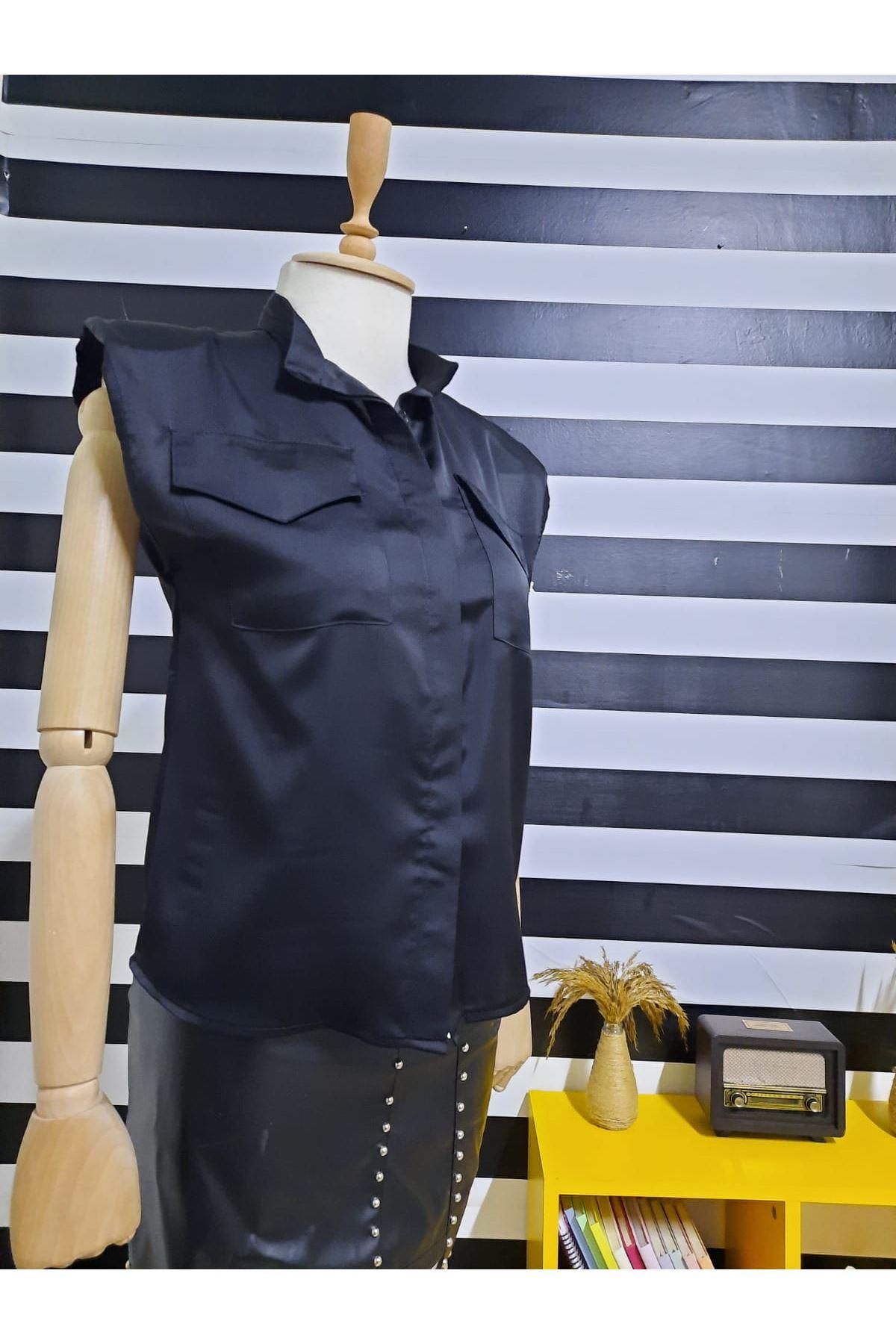Omuz Vatkalı Saten Gömlek - Siyah