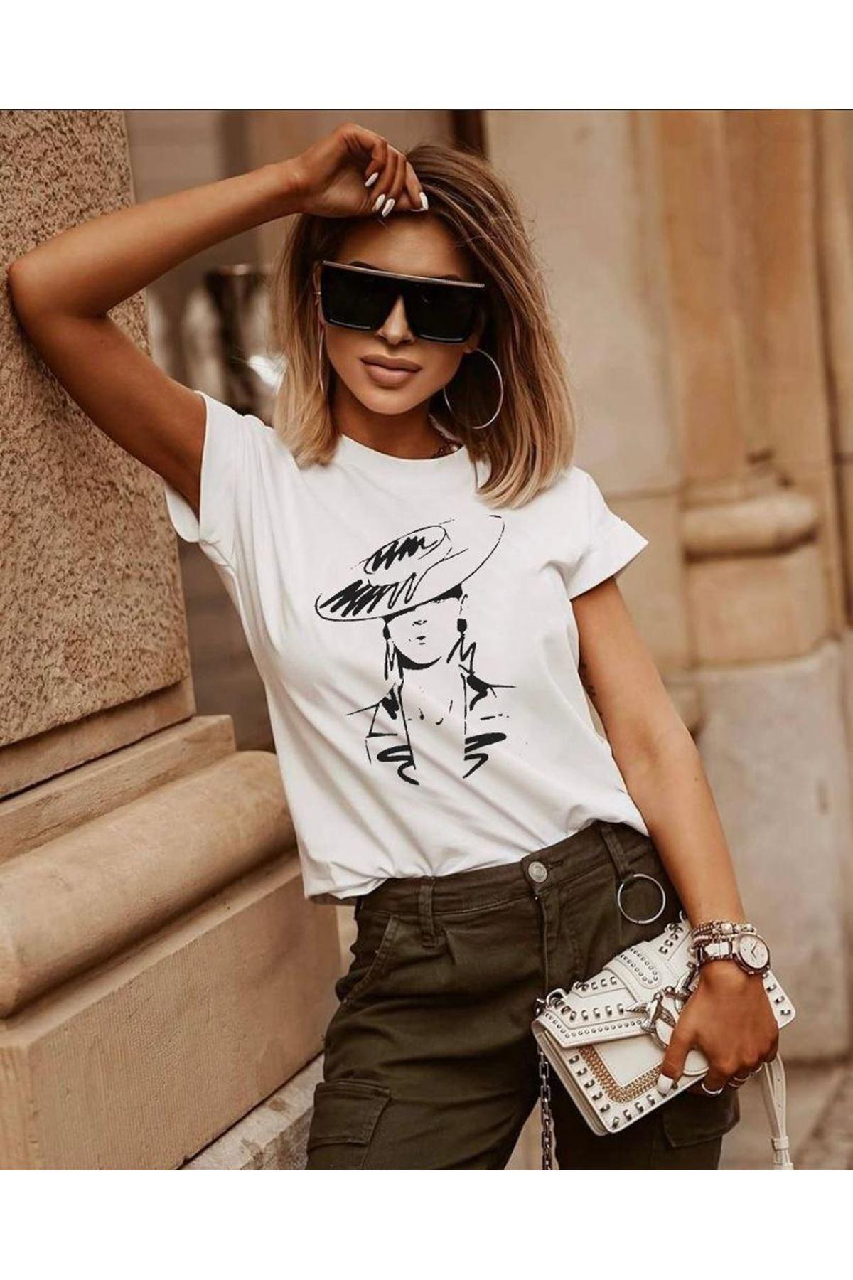 Şapka Baskılı Tshirt - BEYAZ