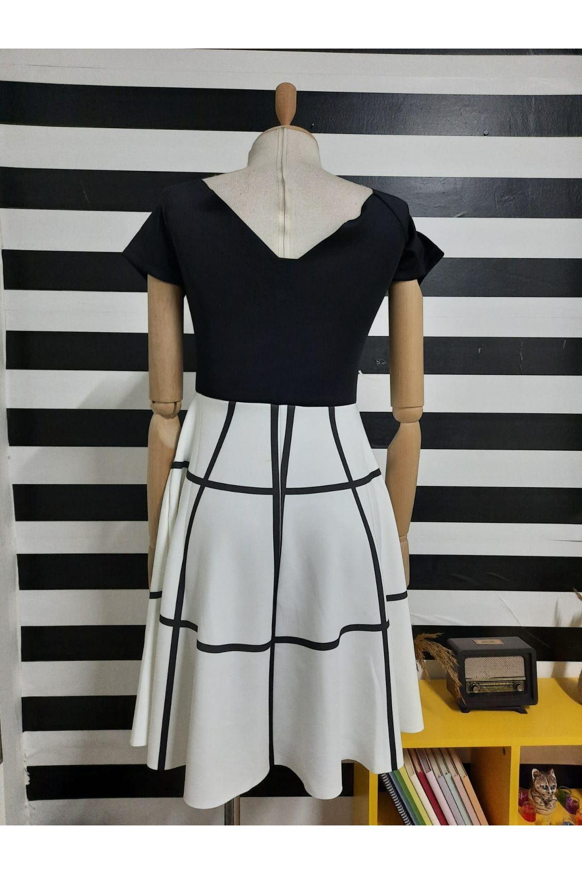 Dijital Baskılı Dalgıç Kumaş Elbise - SİYAH