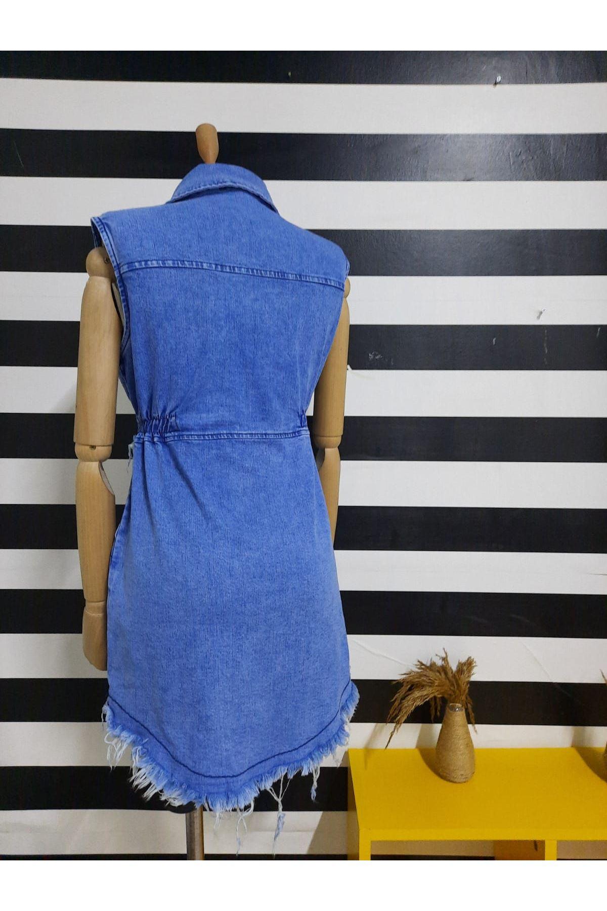 Düğme Detaylı Kuşaklı Kot Elbise - MAVİ